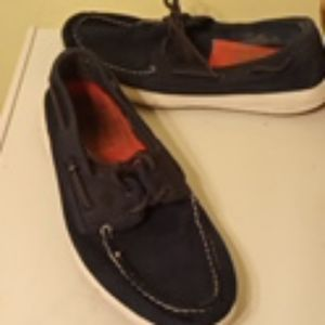 Im selling men's shoes